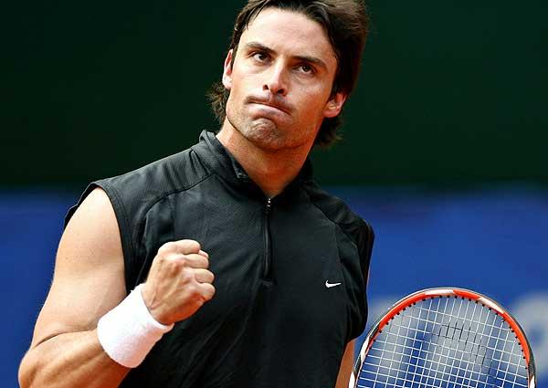 http://tennisconnected.com/home/wp-content/uploads/2010/01/Marcos-Daniel.jpg